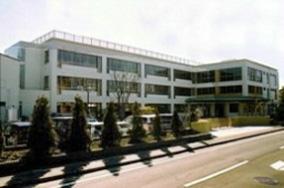 写真:前期課程校舎